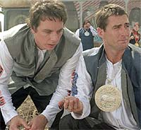 Luke Wilson and Dax Shepard in Idiocarcy